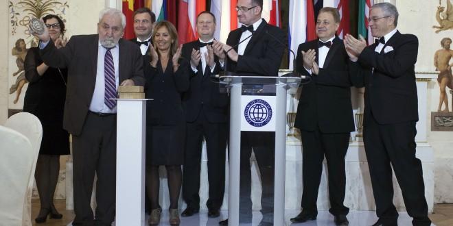 Aleksiej Simonow z Nagrodą Wolności Słowa press clubów