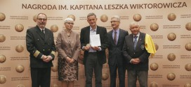 Kapitan Piotr Kuźniar oraz Zygmunt Choreń odebrali Nagrody im. Kapitana Leszka Wiktorowicza