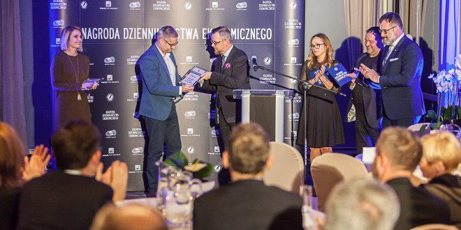 Maciej Samcik pierwszym laureatem Nagrody Dziennikarstwa Ekonomicznego Press Club Polska