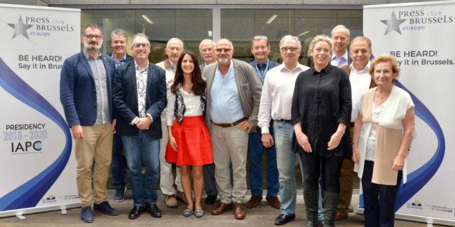 Solidarność z dziennikarzami w Afryce i nowi członkowie międzynarodowego stowarzyszenia press clubów
