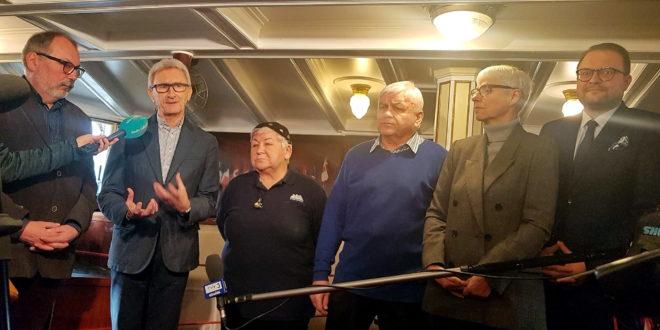 Kapitan Mariusz Koper oraz kapitan Cezary Bartosiewicz laureatami Nagrody im. Kapitana Leszka Wiktorowicza 2019