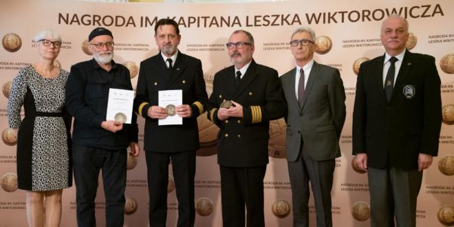 Kapitan Bartłomiej Skwara oraz kapitanowie Ireneusz Lewandowski i Rafał Szymański laureatami Nagrody im. Kapitana Leszka Wiktorowicza 2020